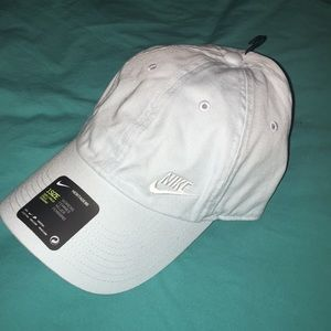 NWT Women's Nike Hat